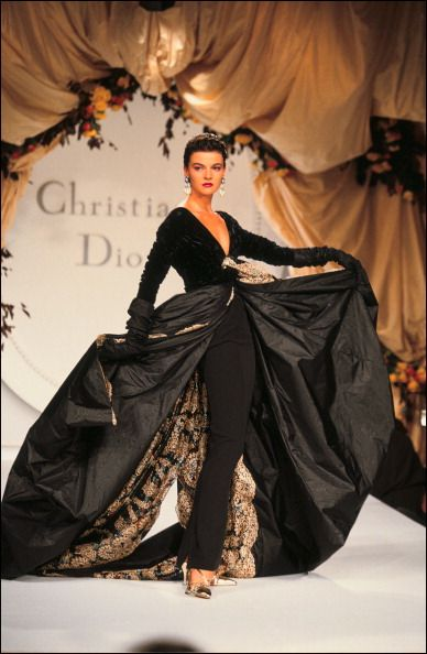 Dior haute couture fall 1990 Gianfranco Ferre