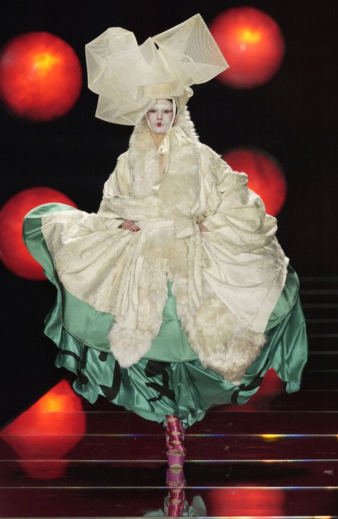 dior ss houte couture galliano 2003