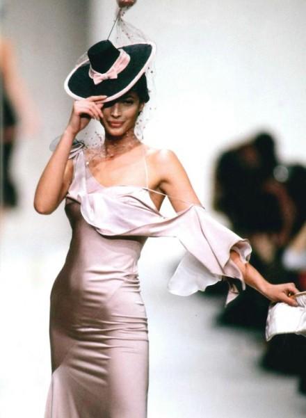 Rochia lenjerie sau rochia furou